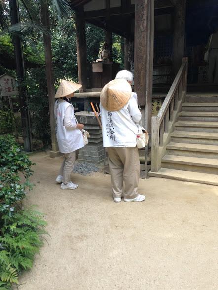 Henro bij de Jōruri-jitempel