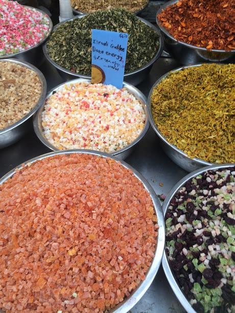 Geuren & kleuren in de souq